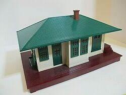Lionel, 132 Automatic Control, Illuminated, 0 And 027 Scale Passenger Station