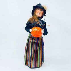 Byers Choice Caroler Halloween 2021 Witch With Pumpkin New