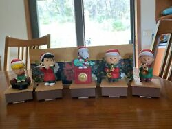 Hallmark Snoopy And Friends Wireless Christmas Band Set Of 5 2011