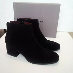 Vagabond Chelsea Ankle Boots. 100 Leather. Size 39. Box. In Perfect Condition.