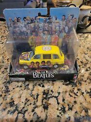 Corgi The Beatles Collectible Album Cover Die-cast Sgt. Peppers London Taxi Art