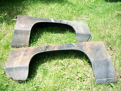 Chevrolet Full Size Fenders 1971 One Set Of N.o.s. Left And Right Fenders.