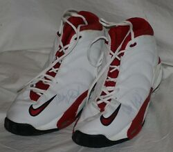 2001 Charles Chicago Bulls Game Worn And Signed Shoes Mears Loa