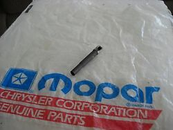Nos Mopar 1960-1969 B/body Gas Pedal To Shaft Retainer -max Wedge 2268367
