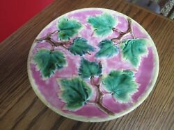 Antique Tuscan Majolica Plate Purple And Leaves 9 1/4 Diam, [a4-1]