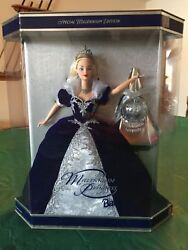 """""""happy Holidays"""" Barbie Collection - 10 Dolls Years 1988-1999"""