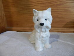 VINTAGE WEST HIGHLAND TERRIER WESTIE DOG Porcelain Figurine 5x6x3