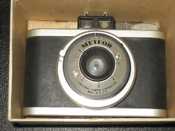 Vintage Meteor Reflex Camera Universal Camera Corp. With Box Instructions