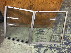 1993 Bayliner Classic 2250 Front Left Side Windshield Glass Piece With Door