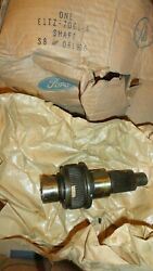 Nos 80-86 Ford Transfer Case Front Output Shaft New Process Np208 Transmission