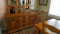 Broyhill Furniture 5 Piece Dinette Set W/8 Chairs