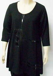 DUTCH DESIGNER YOEKTHEIR SIZE LARGEBLACK TUNIC WITH FRONT DESIGN LAGENLOOK.