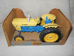 1960s Ertl 1/12 Ford 4400 Industrial Tractor 3 Point Hitch Rubber Tires Fenders