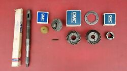 1973-76and039 50657075 Hp Lower Unit Gears And Propshaft Johnson / Evinrude Omc