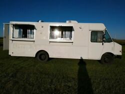 2001 Workhorse 8'x 26.5' Amazing Used Food Truck for Sale in South Dakota!