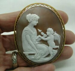 A Beautiful Antique 15ct Gold Framed Large Carved Cameo Brooch
