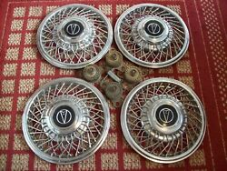 1987 Pontiac Bonneville Set Of Four 14 Wire Hubcaps With Locks And Tool