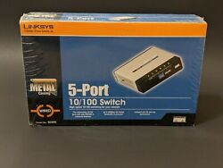 Linksys Cisco 5-port 10/100 Switch / Wired Metal Casing / Model No Sd205