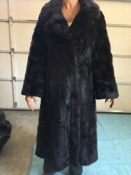 Andnbspsable Fur Coat Womenandrsquos Medium. Fully Let Out W/fur Storage Bag