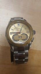 Swiss Army Victorinox Stainless Steel Mens Watch 241619 New