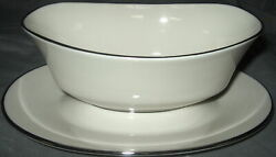 Lenox Maywood Gravy Boat With Attached Underplate