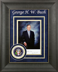 George H.w. Bush Best Wishes Authentic Signed And Framed 7x9.5 Photo Bas A03164