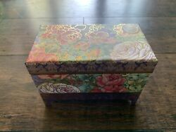 Pooch And Sweetheart Floral Print Music Box With Two 3.5oz Soap Bars Nip
