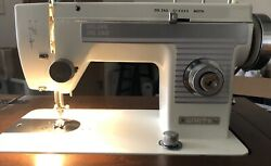 White Deluxe Zig Zag Sewing Machine-very Clean And Slightly Used Vintage Rare