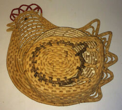 Vintage Woven Rattan Chicken Hen With 4 Round Woven Hot Pads That Rest In Wing