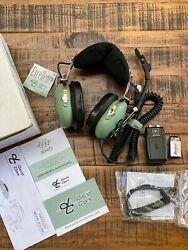 New David Clark Aviation Headset H10-76 Xl With Battery Pack