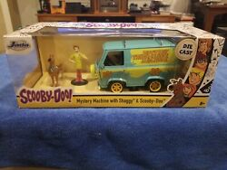 1/24 Jada The Mystery Machine With Shaggy And Scooby-doo Figures Model 31720