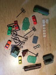 Lot Of Vintage Trains Lone Star 5 Tyco Cars Buildings