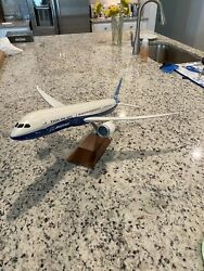 Pacmin Boeing 787-9 1/100 Scale Very Rare Model Aircraft Resin Wooden Base