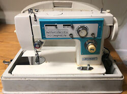 Vintage Dressmaker 7000 Sewing Machine With Carrying Case As Is