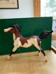 Breyer Traditional Horse quot;Remingtonquot; Collectors Edition Bay Overo Pinto PERFECT
