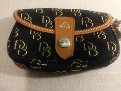 DOONEY AND BOURKE FLAP WRISTLET 6quot; X 4quot; X 1.5quot; BLACK amp; TAN NEW WITH TAGS $24.99
