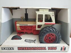 International 1456 Duals/cab Demonstrator 1/16 Tractor Nib