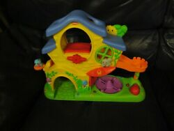 2004 Playskool Weeble Wobble Musical Tree House With One Weeble