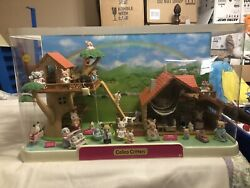 Calico Critters Display Toys R Us Treehouse W/ Lakeside Lodge Rare Local Pick Up