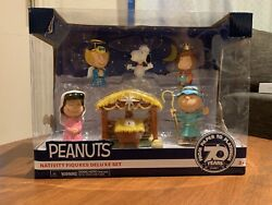 Peanuts Nativity Figures Deluxe Set Snoopy Charlie Brown Lucy 70 Years