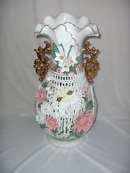 Vntg Capodimonte Large Porcelain Reticulated Vase Urn Flowers Gold Italy Nice