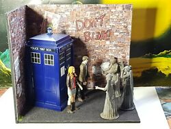 Custom Doctor Who Weeping Angel Tardis Attack Diorama 11th Dr Amy Pond Figure