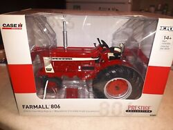1/16 Scale Farmall 806 Narrow Front With Clamshell Fenders