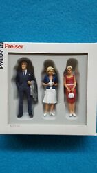 Preiser G 122.5 Scale Three Standing Passers-by Figures 45032