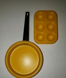 Vintage Chilton Kids Toy Play Dishes Cookware Muffin Pan And Fry Pan Lot