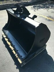 New 48 High Capacity Clean Up Bucket For A John Deere 60 Zts