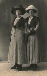 Women Rppc Two Ladies Wearing Similar Coats And Gloves,and Different Hats