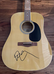 Willie Nelson Signed Acoustic Guitar Authentic Beckett Bas Coa H99277