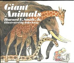 GIANT ANIMALS book with dust jacket 1977 by Howard E Smith Jr Free Shipping