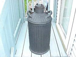 Antique Davis Welding And Mfg. Co. 5 Gallon Oil Gas Double Handled Carrier Can